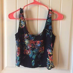 Floral crop top with keyhole back